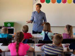 Immer mehr Berliner Lehrer kündigen.
